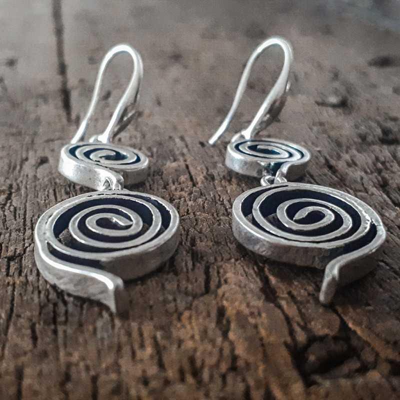 1.045.00 - Triskel Earrings